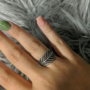 PANDORA Size 7 Feather ring